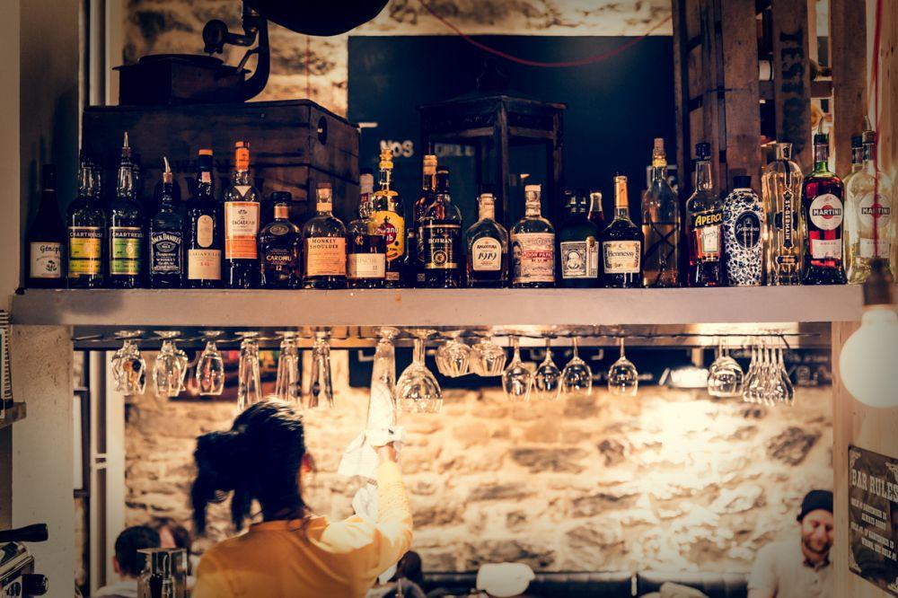 Le Saint Vincent, brasserie le midi, bar apéritif dînatoire le soir